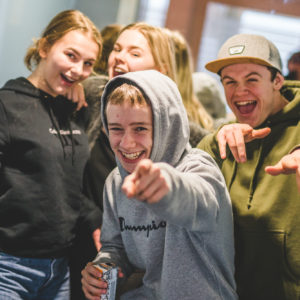 Glade elever på Akademiet Bergen. Foto.