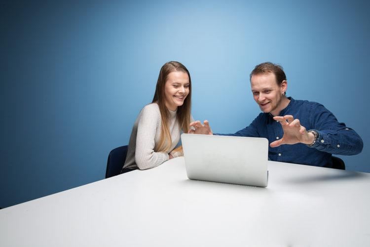 Elev med mentor på Akademiet Videregående Skole. Foto.